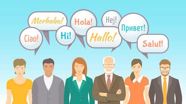 Imagen de personas hablando diferentes idiomas