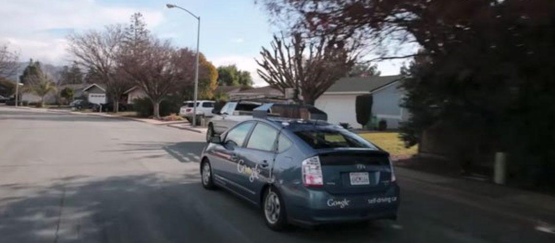 Google prueba coche con piloto automático